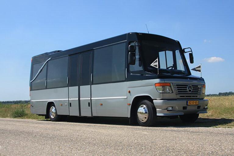 Uitvaartbus rouwbus